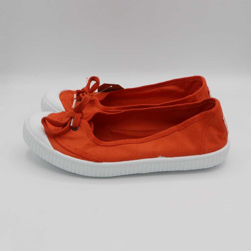 Balerini portocalii cu șiret