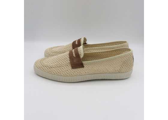 Pantofi slip on bej cu model plasă