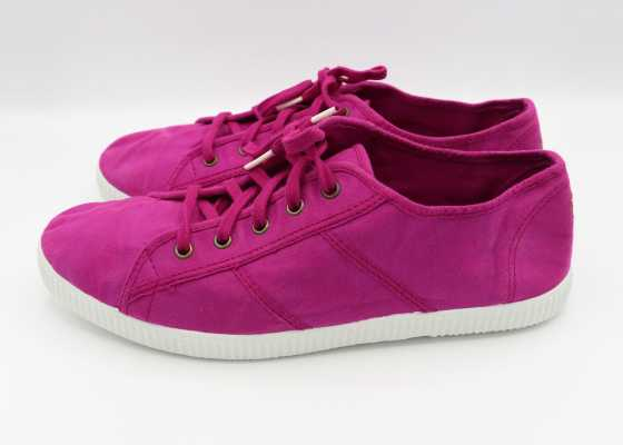 Teniși violet
