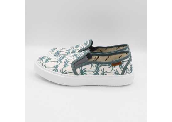 Pantofi slip on albi cu imprimeu palmieri verzi
