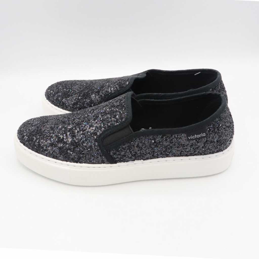 Pantofi negri slip on cu paiete și talpă albă