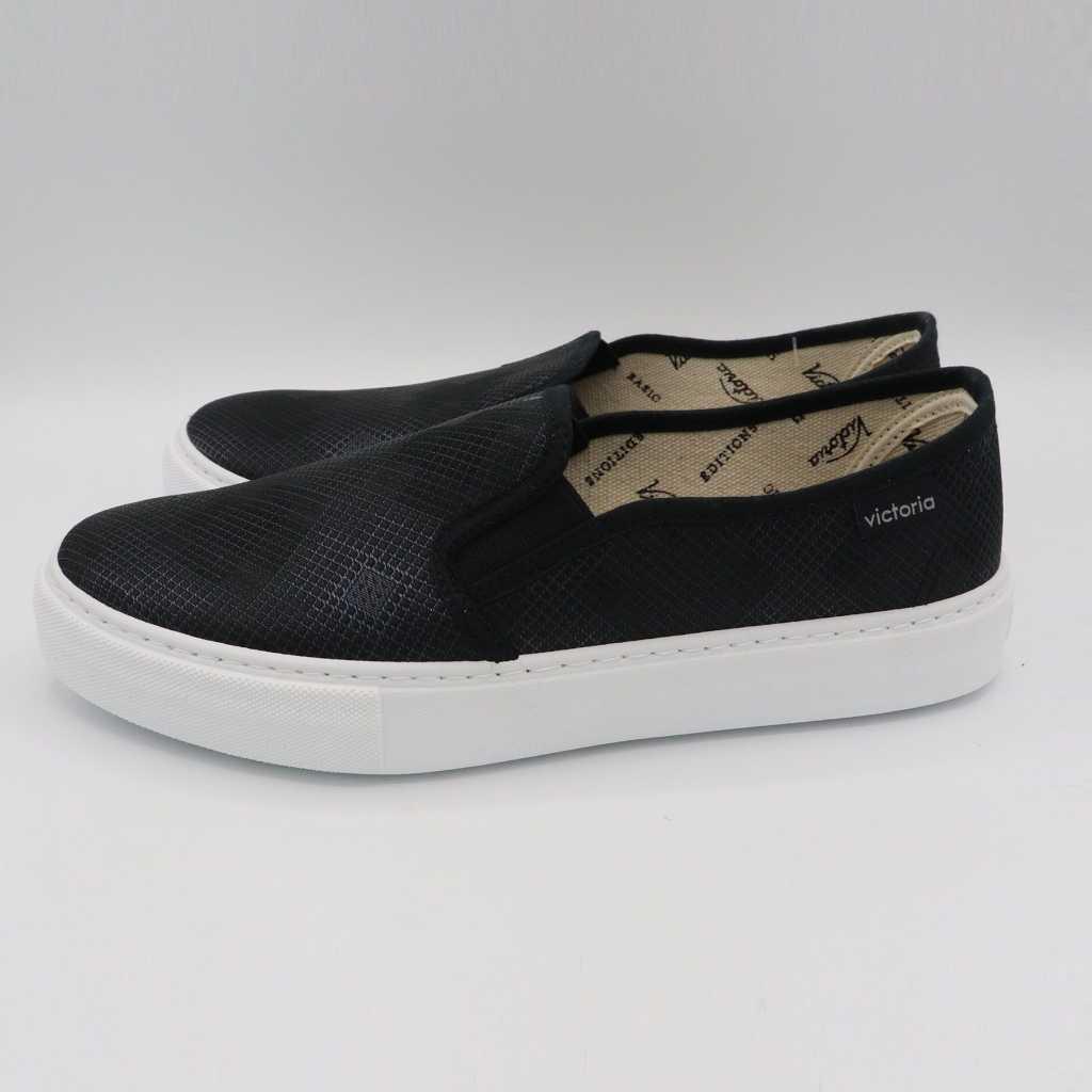 Pantofi negri slip on cu model geometric